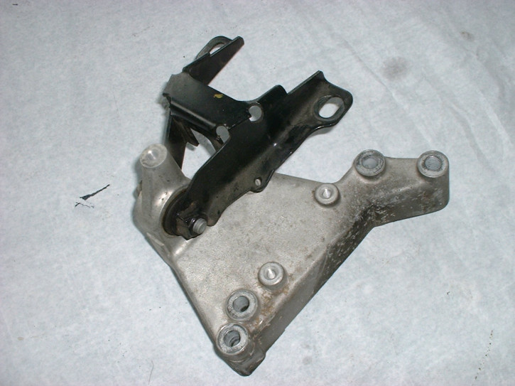 Motorhalter V6